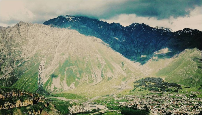 must do day trip to the kazbegi mountains from tbilisi in tbilisi