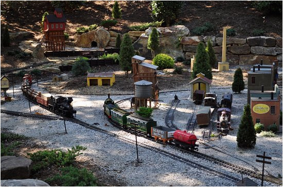 train display picture of the north carolina arboretum asheville