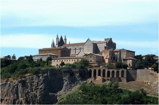 the best day trips from italy to civita di bagnoregio 2018 with