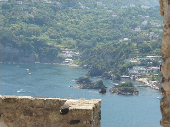 blick auf die cartaromana bucht vom castello picture of castello