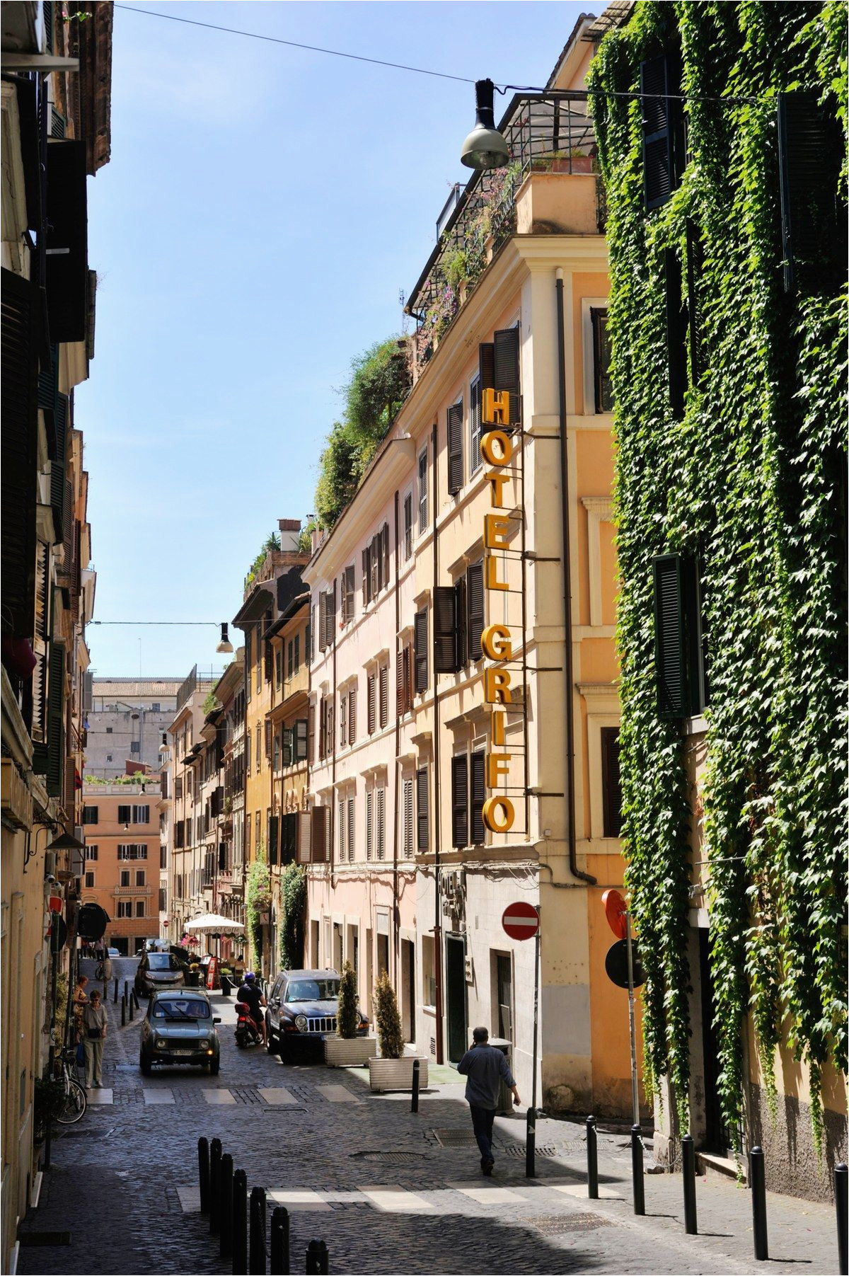 two must visit tourist free neighborhoods in rome beautiful