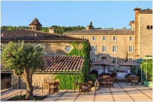 palazzo seneca luxushotel und gourmetrestaurant in einer stadt