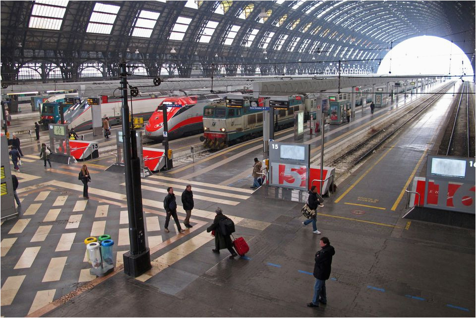 how to get from rome to milan italy