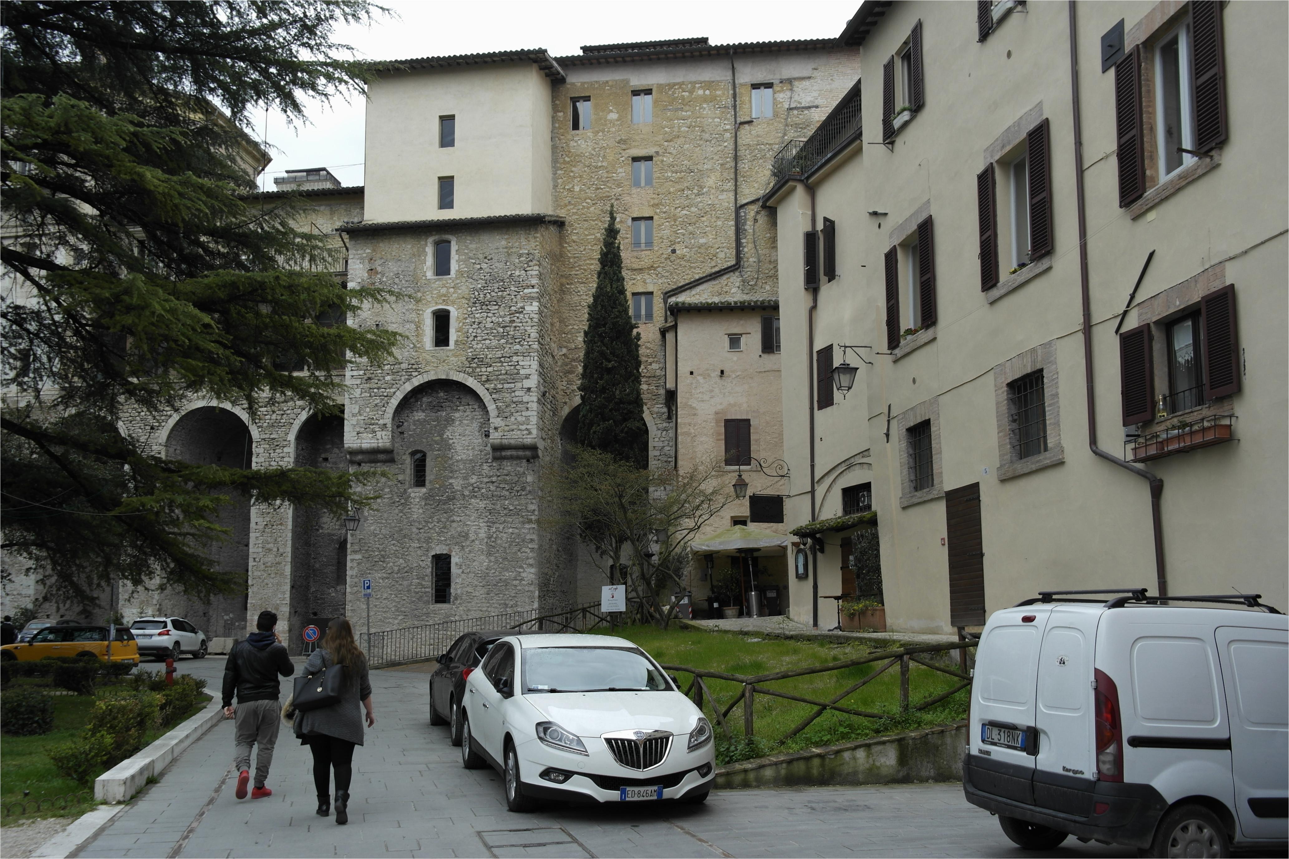 file 06049 spoleto province of perugia italy panoramio 16 jpg