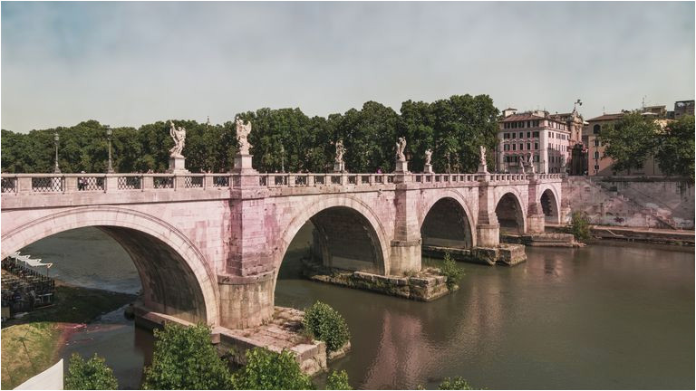 the tiber river of rome