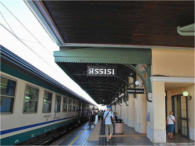 assisi train station guide italiarail