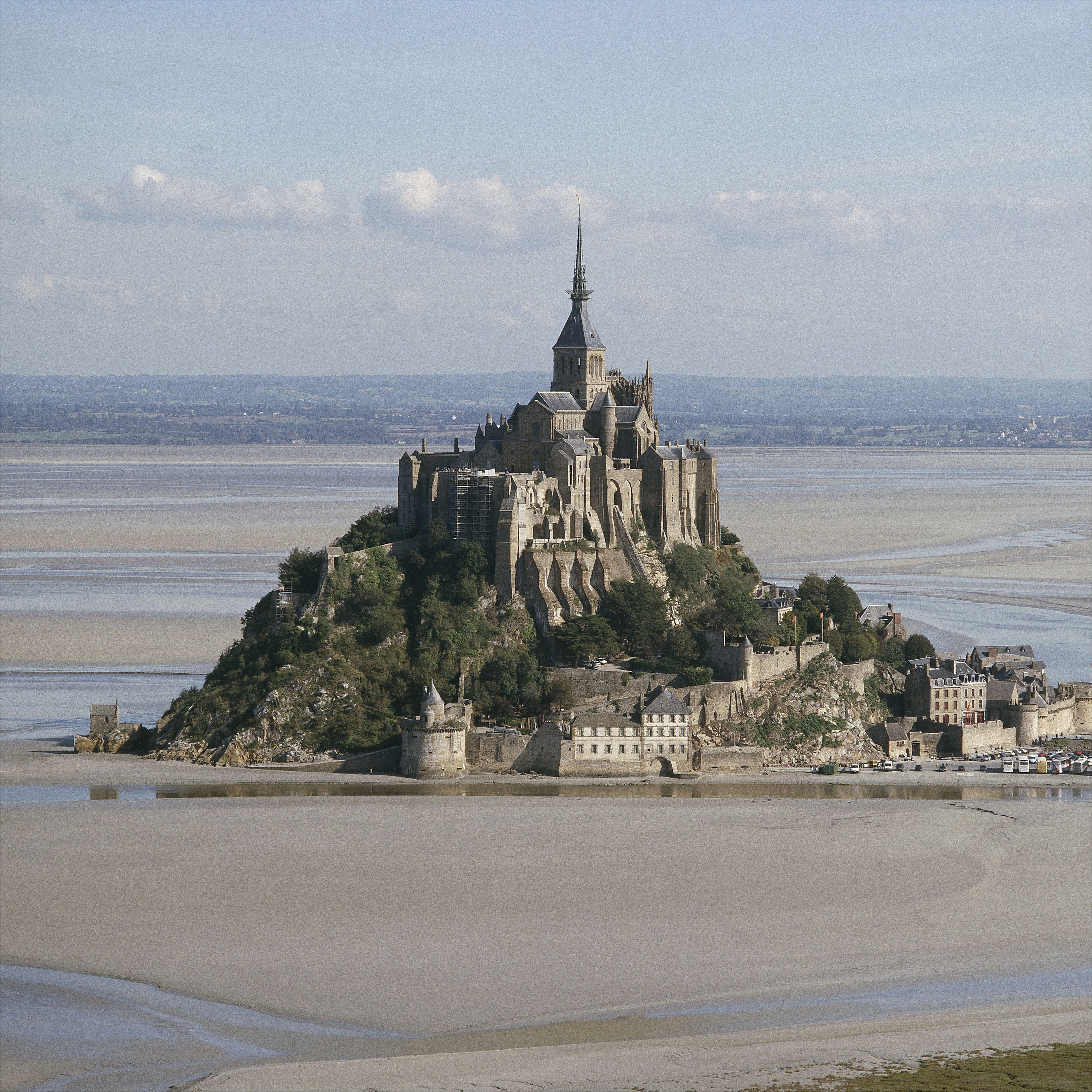 getting to mont st michel from london or paris