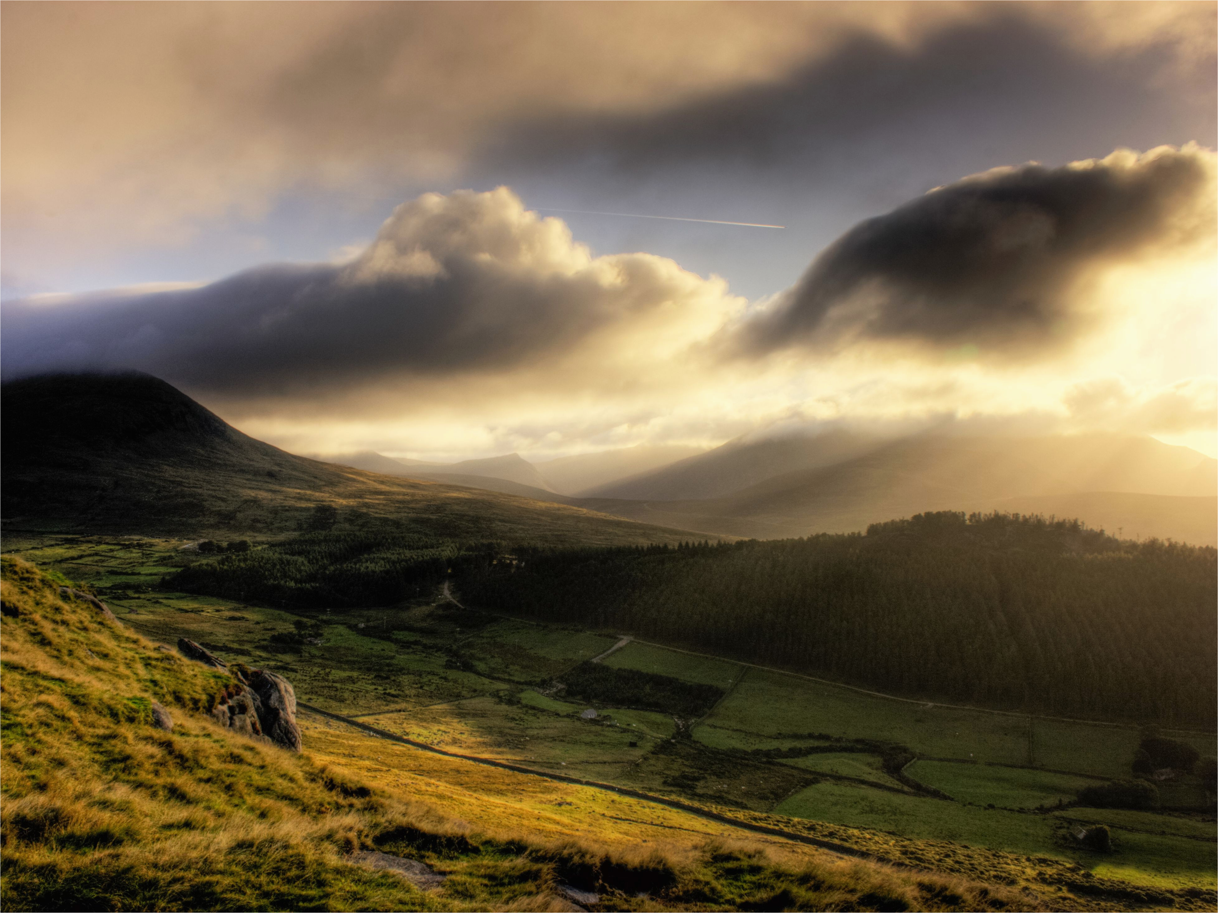 the lyrics of the mountains of mourne