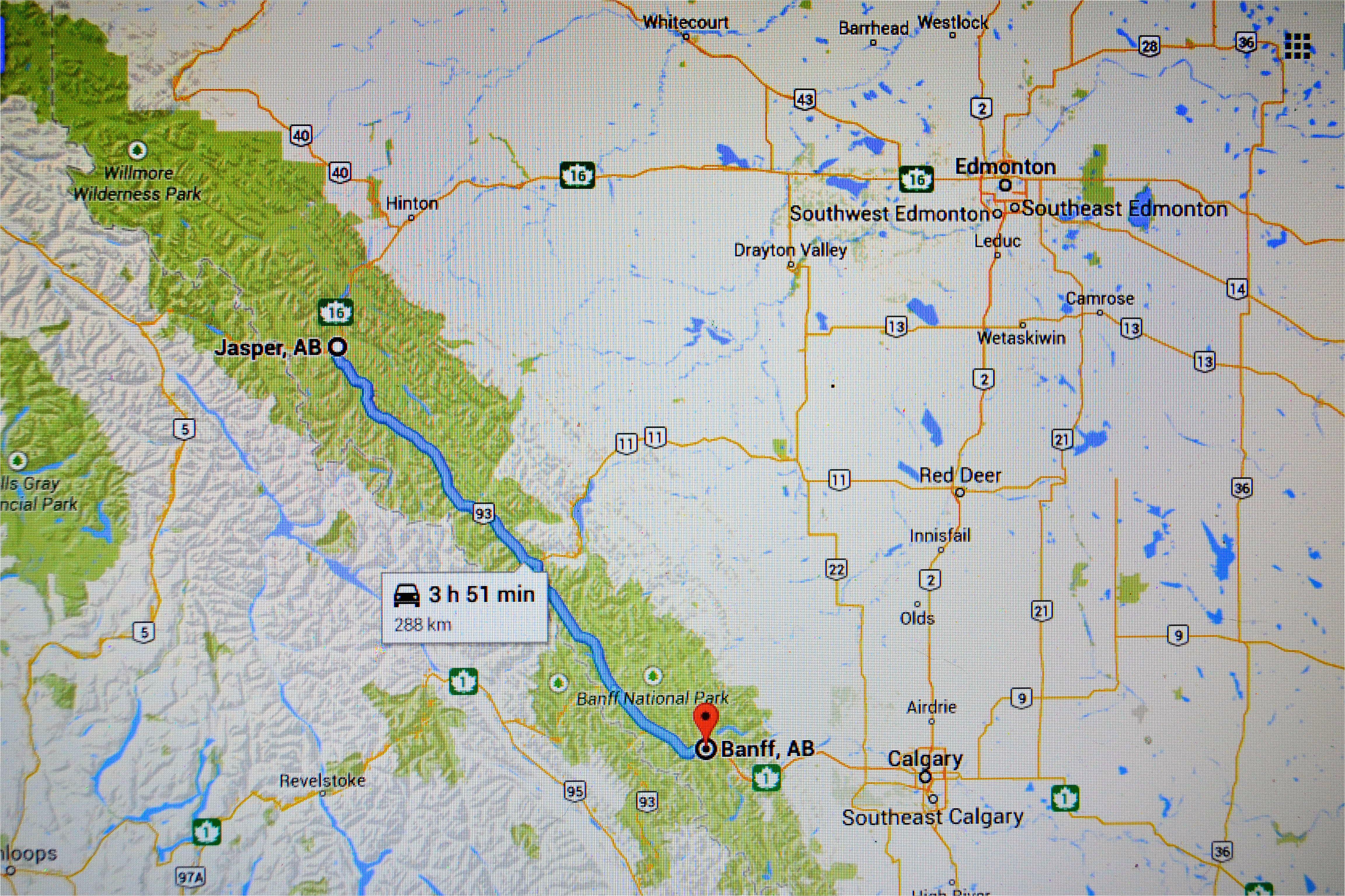 jasper vs banff in the canadian rockies