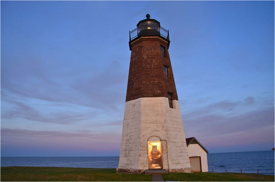 10 most beautiful lighthouses in new england