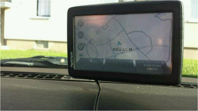 tomtom start 25 m eu traffic free lifetime maps navigationsgerat